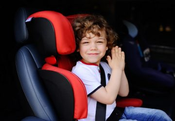 Детские автокресла разных моделей и для разного возраста